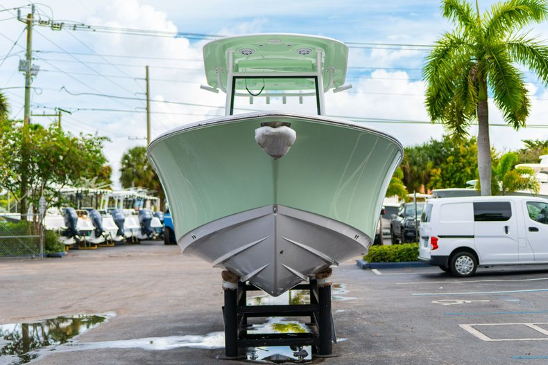 Thumbnail 2 for New 2020 Sportsman Open 252 Center Console boat for sale in West Palm Beach, FL