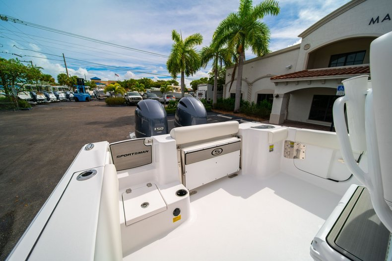 Thumbnail 9 for New 2020 Sportsman Open 252 Center Console boat for sale in West Palm Beach, FL