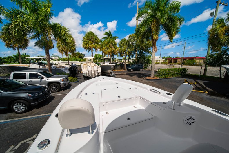 Thumbnail 37 for New 2020 Sportsman Masters 247 Bay Boat boat for sale in West Palm Beach, FL