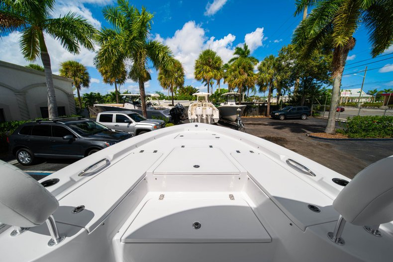 Thumbnail 35 for New 2020 Sportsman Masters 247 Bay Boat boat for sale in West Palm Beach, FL