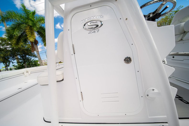Thumbnail 30 for New 2020 Sportsman Masters 247 Bay Boat boat for sale in West Palm Beach, FL