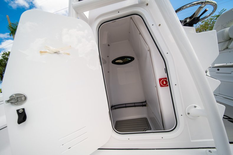 Thumbnail 31 for New 2020 Sportsman Masters 247 Bay Boat boat for sale in West Palm Beach, FL
