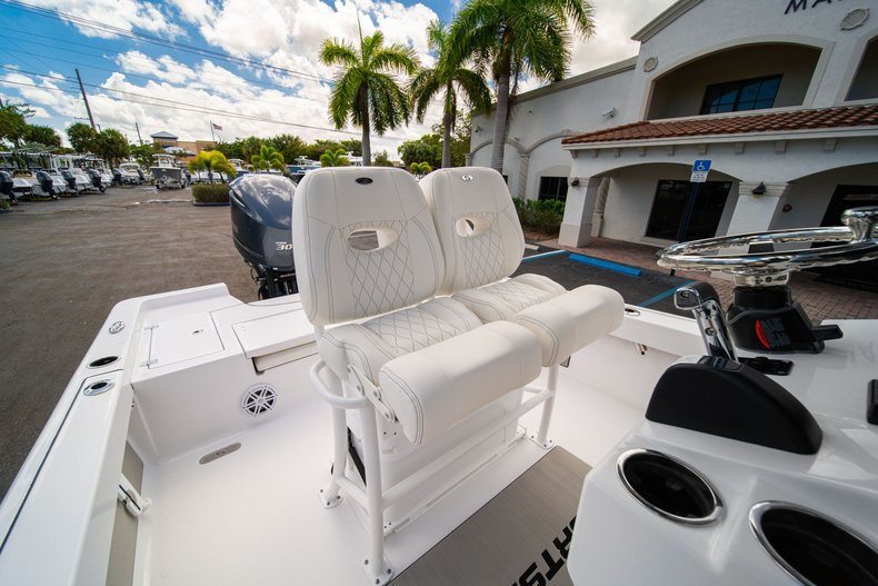 Thumbnail 27 for New 2020 Sportsman Masters 247 Bay Boat boat for sale in West Palm Beach, FL