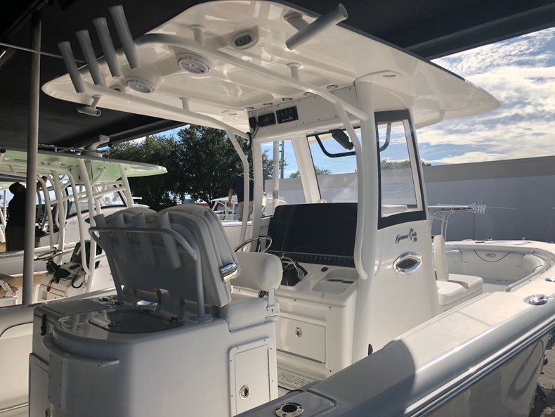 Thumbnail 2 for Used 2018 Sea Hunt Game Fish 30 Center Console boat for sale in Miami, FL