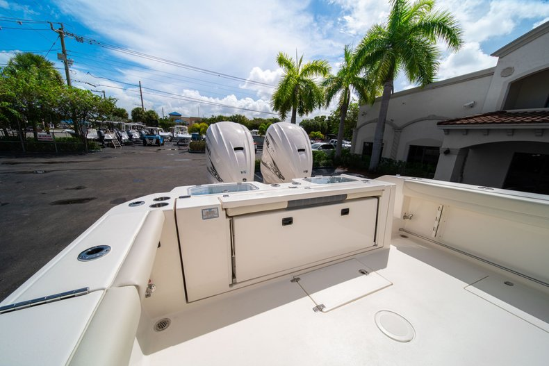 Thumbnail 11 for New 2020 Cobia 320 Center Console boat for sale in West Palm Beach, FL