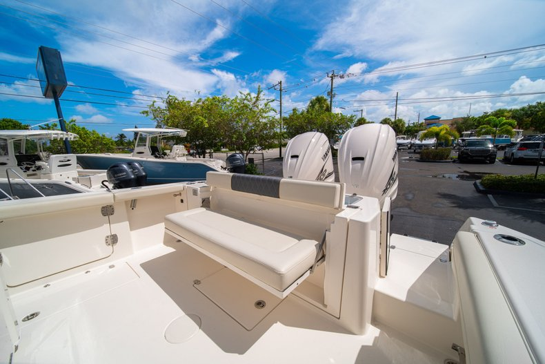 Thumbnail 14 for New 2020 Cobia 320 Center Console boat for sale in West Palm Beach, FL