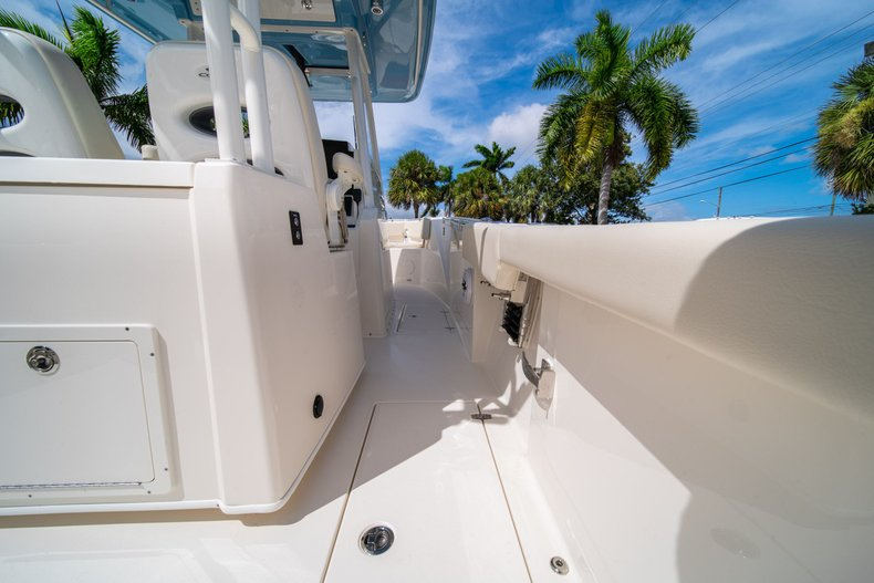 Thumbnail 20 for New 2020 Cobia 320 Center Console boat for sale in West Palm Beach, FL