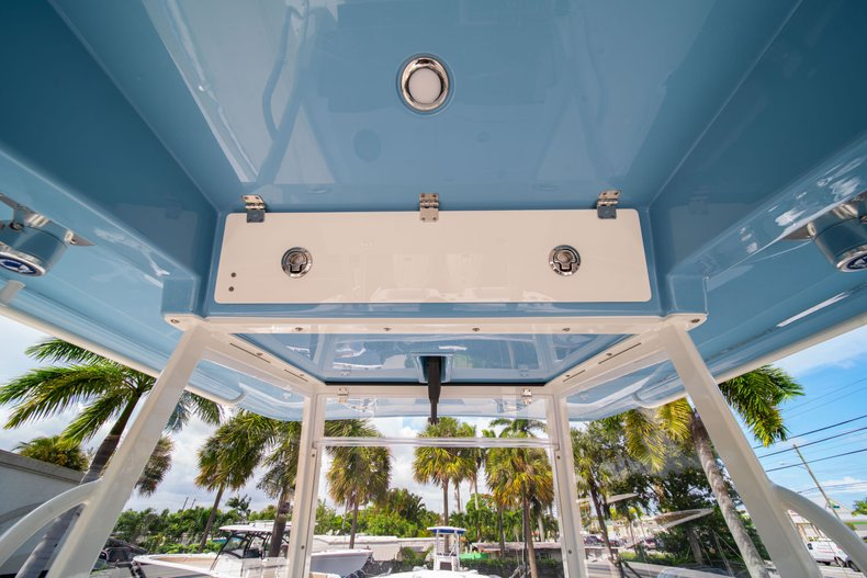 Thumbnail 31 for New 2020 Cobia 320 Center Console boat for sale in West Palm Beach, FL