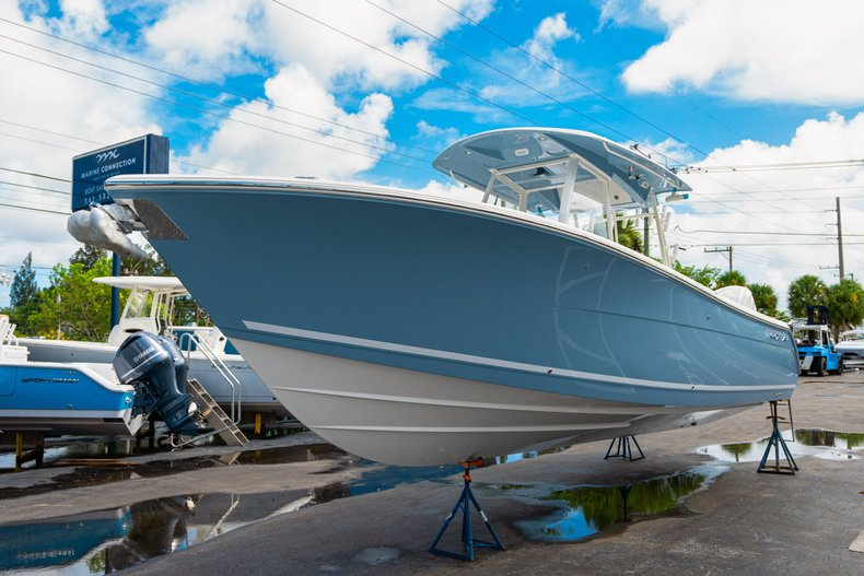 Thumbnail 3 for New 2020 Cobia 320 Center Console boat for sale in West Palm Beach, FL