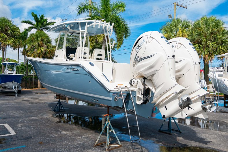 Thumbnail 5 for New 2020 Cobia 320 Center Console boat for sale in West Palm Beach, FL