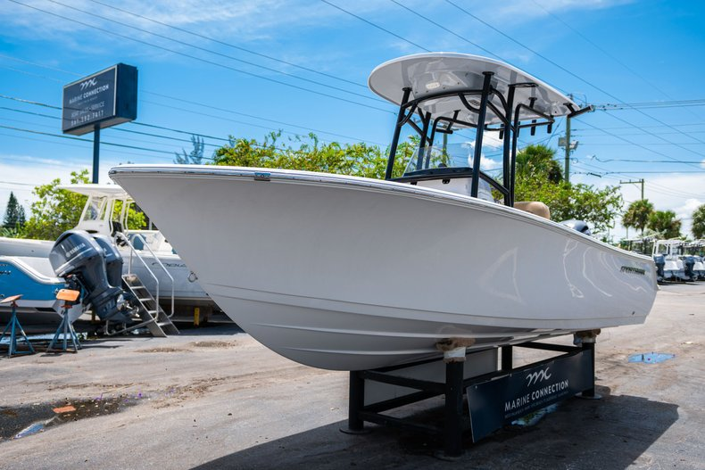 Thumbnail 3 for New 2020 Sportsman Open 212 Center Console boat for sale in West Palm Beach, FL
