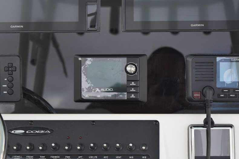 Thumbnail 26 for New 2020 Cobia 301 CC Center Console boat for sale in Fort Lauderdale, FL