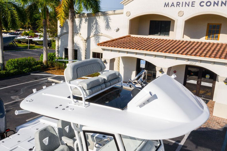 Thumbnail 10 for New 2020 Sportsman Masters 267 Bay Boat boat for sale in West Palm Beach, FL