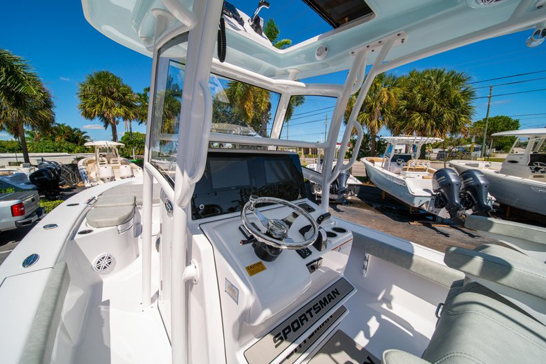 Thumbnail 25 for New 2020 Sportsman Masters 267 Bay Boat boat for sale in West Palm Beach, FL