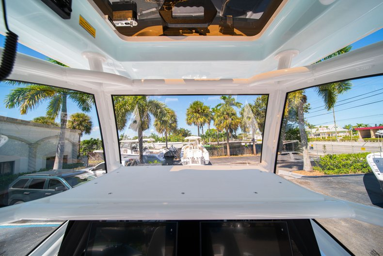 Thumbnail 31 for New 2020 Sportsman Masters 267 Bay Boat boat for sale in West Palm Beach, FL