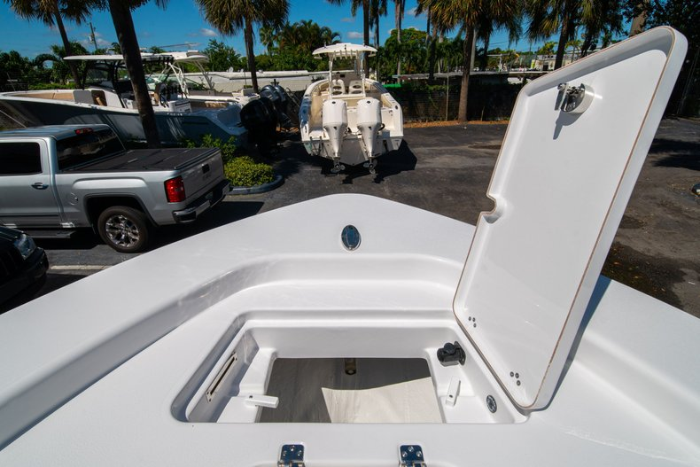 Thumbnail 46 for New 2020 Sportsman Masters 267 Bay Boat boat for sale in West Palm Beach, FL