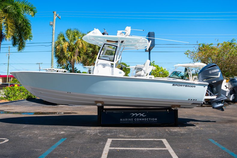 Thumbnail 4 for New 2020 Sportsman Masters 267 Bay Boat boat for sale in West Palm Beach, FL