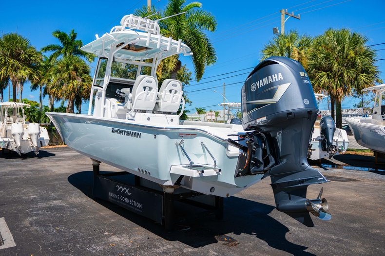 Thumbnail 5 for New 2020 Sportsman Masters 267 Bay Boat boat for sale in West Palm Beach, FL