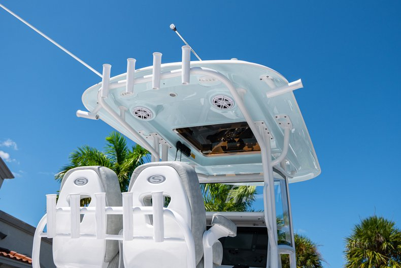 Thumbnail 8 for New 2020 Sportsman Masters 267 Bay Boat boat for sale in West Palm Beach, FL