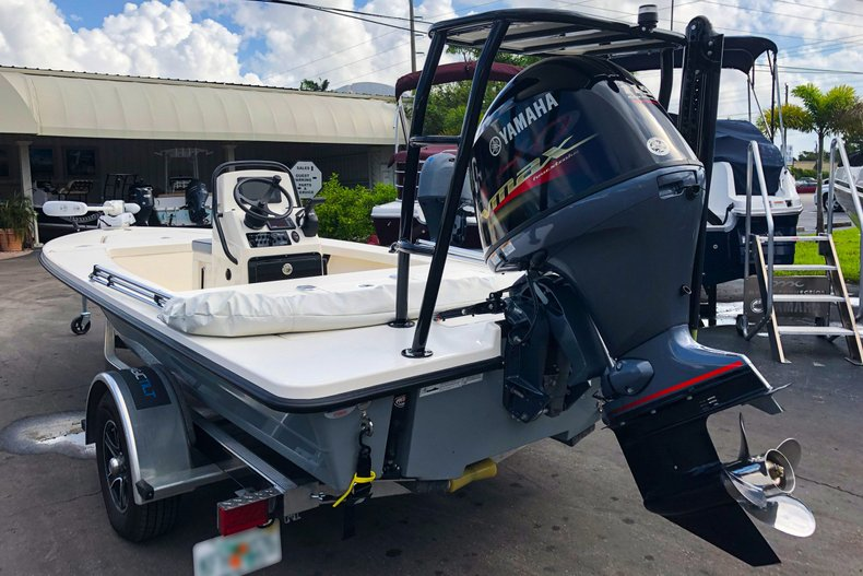 Thumbnail 2 for Used 2019 Maverick Boat Co. 18 HPX-V boat for sale in West Palm Beach, FL