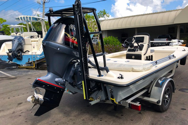Thumbnail 5 for Used 2019 Maverick Boat Co. 18 HPX-V boat for sale in West Palm Beach, FL