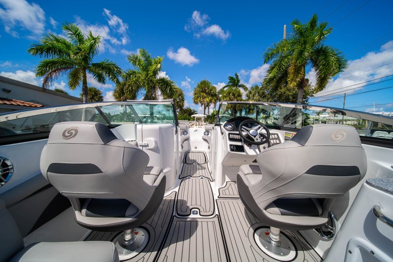 Thumbnail 9 for New 2020 Hurricane SunDeck SD 2400 OB boat for sale in West Palm Beach, FL