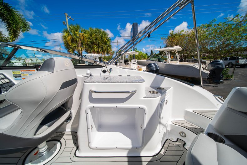 Thumbnail 12 for New 2020 Hurricane SunDeck SD 2400 OB boat for sale in West Palm Beach, FL