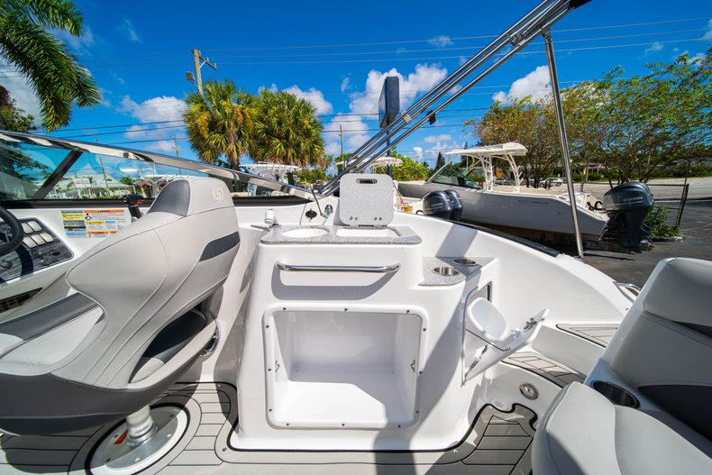 Thumbnail 13 for New 2020 Hurricane SunDeck SD 2400 OB boat for sale in West Palm Beach, FL