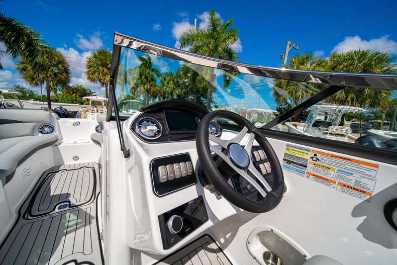 Thumbnail 15 for New 2020 Hurricane SunDeck SD 2400 OB boat for sale in West Palm Beach, FL