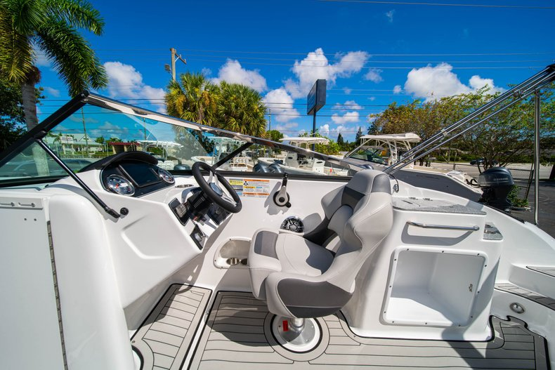 Thumbnail 16 for New 2020 Hurricane SunDeck SD 2400 OB boat for sale in West Palm Beach, FL