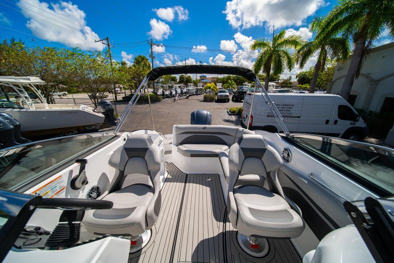 Thumbnail 25 for New 2020 Hurricane SunDeck SD 2400 OB boat for sale in West Palm Beach, FL