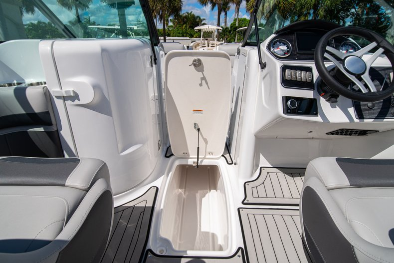 Thumbnail 22 for New 2020 Hurricane SunDeck SD 2400 OB boat for sale in West Palm Beach, FL
