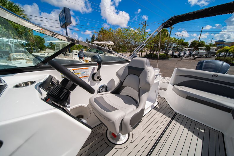 Thumbnail 17 for New 2020 Hurricane SunDeck SD 2400 OB boat for sale in West Palm Beach, FL