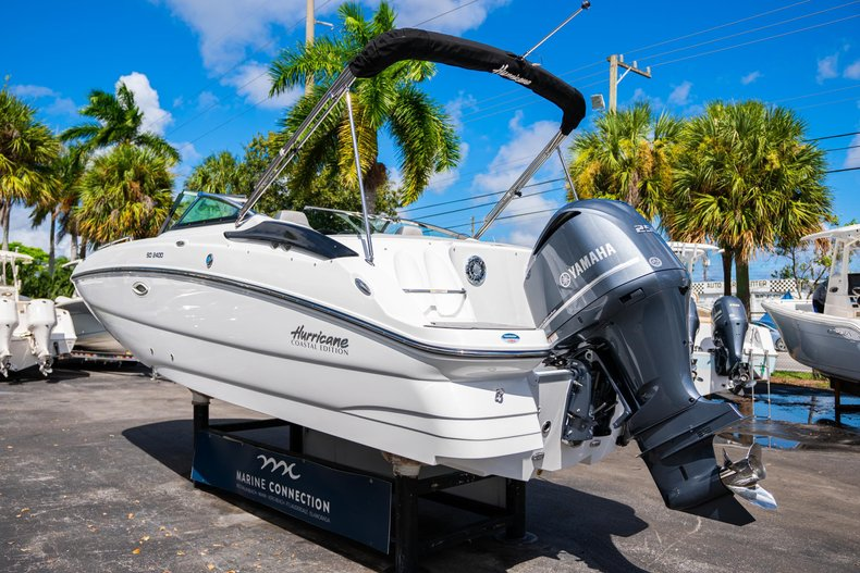 Thumbnail 5 for New 2020 Hurricane SunDeck SD 2400 OB boat for sale in West Palm Beach, FL