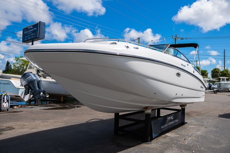 Thumbnail 3 for New 2020 Hurricane SunDeck SD 2400 OB boat for sale in West Palm Beach, FL