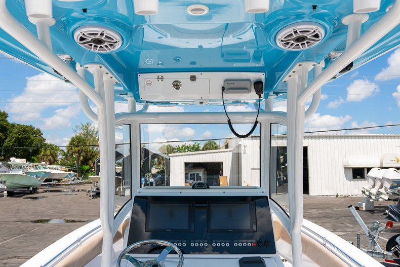 Thumbnail 12 for Used 2019 Sportsman Open 252 Center Console boat for sale in West Palm Beach, FL