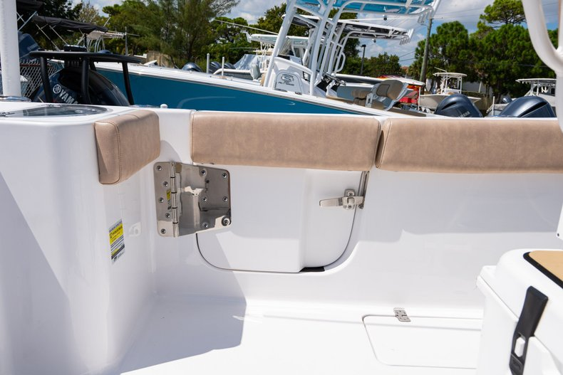 Thumbnail 16 for Used 2019 Sportsman Open 252 Center Console boat for sale in West Palm Beach, FL