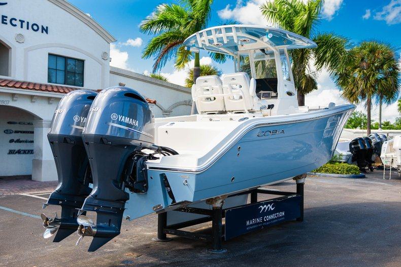 Thumbnail 7 for New 2020 Cobia 262 Center Console boat for sale in West Palm Beach, FL