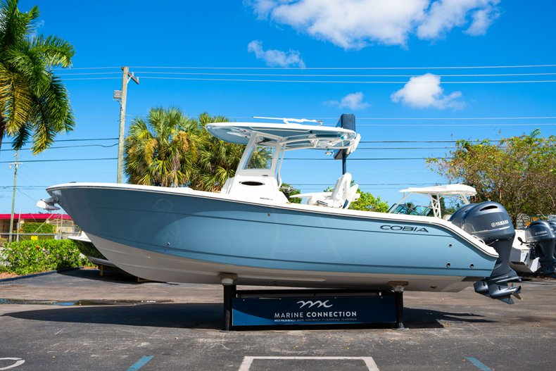 Thumbnail 4 for New 2020 Cobia 262 Center Console boat for sale in West Palm Beach, FL