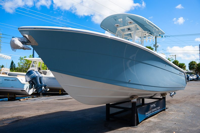 Thumbnail 3 for New 2020 Cobia 262 Center Console boat for sale in West Palm Beach, FL