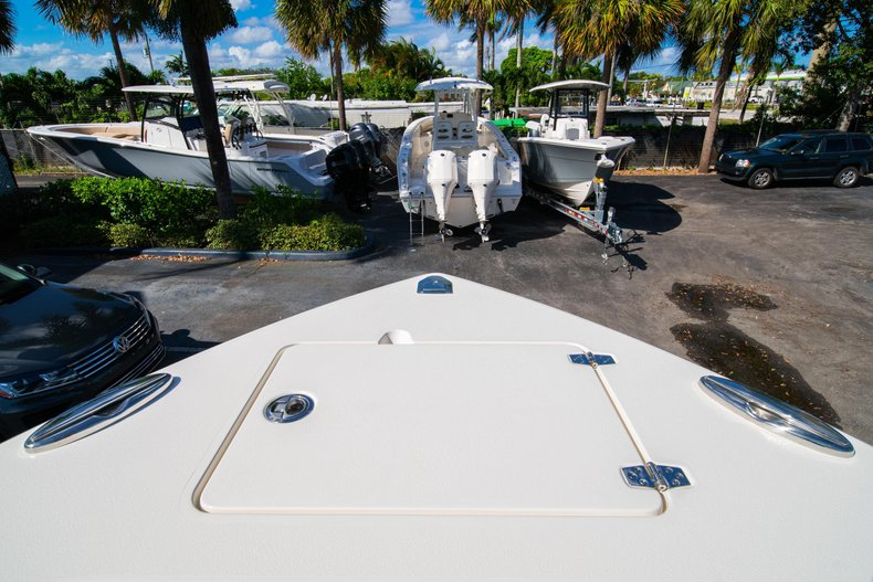 Thumbnail 34 for New 2020 Cobia 262 Center Console boat for sale in West Palm Beach, FL