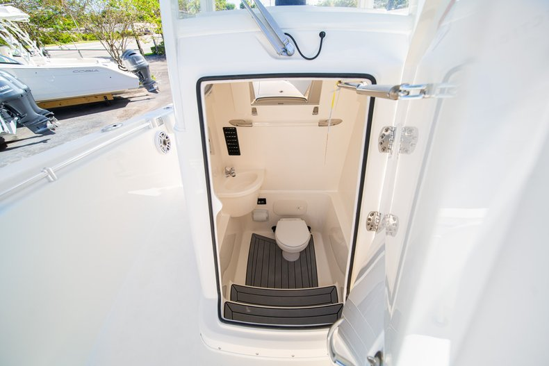 Thumbnail 37 for New 2020 Cobia 262 Center Console boat for sale in West Palm Beach, FL