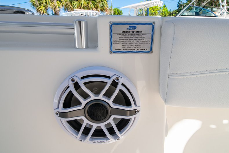 Thumbnail 29 for New 2020 Cobia 262 Center Console boat for sale in West Palm Beach, FL