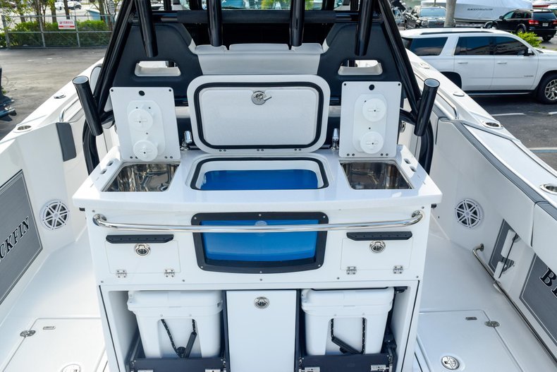 Thumbnail 32 for New 2020 Blackfin 332CC Center Console boat for sale in Fort Lauderdale, FL