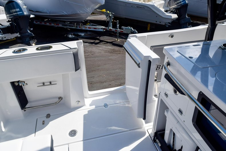 Thumbnail 42 for New 2020 Blackfin 332CC Center Console boat for sale in Fort Lauderdale, FL