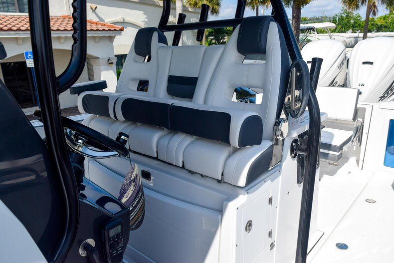Thumbnail 65 for New 2020 Blackfin 332CC Center Console boat for sale in Fort Lauderdale, FL