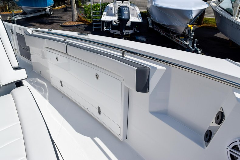 Thumbnail 84 for New 2020 Blackfin 332CC Center Console boat for sale in Fort Lauderdale, FL