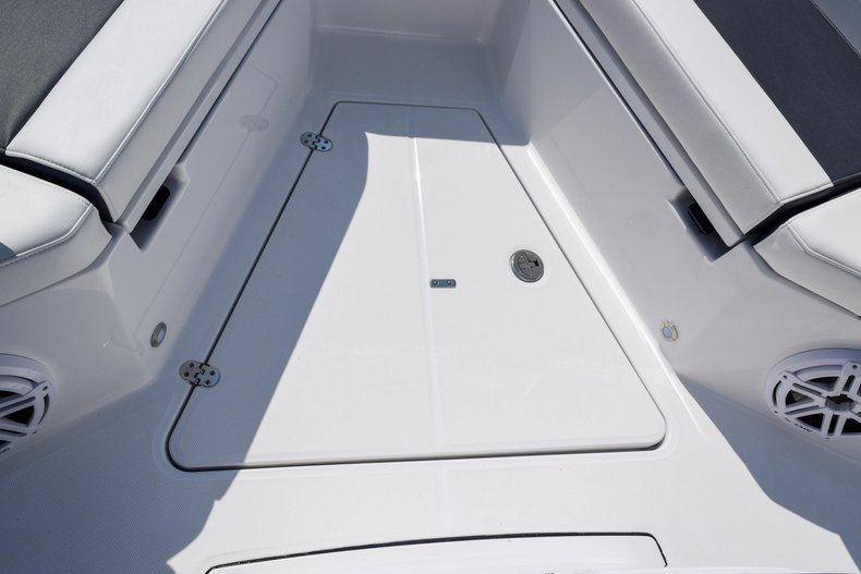 Thumbnail 87 for New 2020 Blackfin 332CC Center Console boat for sale in Fort Lauderdale, FL