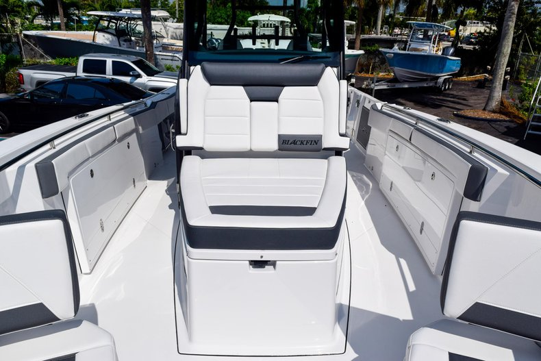 Thumbnail 90 for New 2020 Blackfin 332CC Center Console boat for sale in Fort Lauderdale, FL