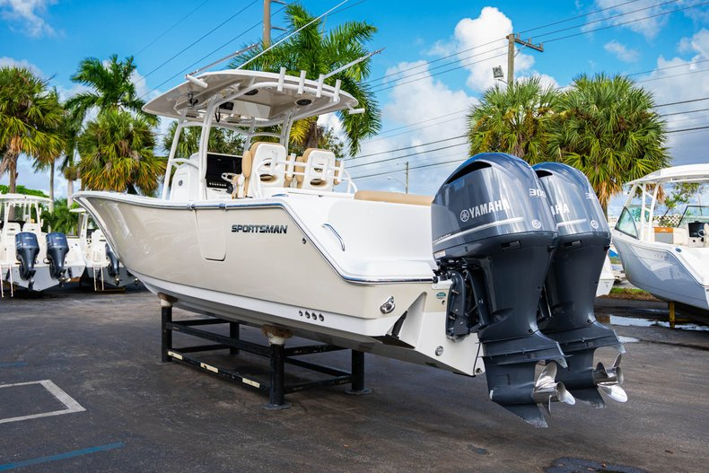 Thumbnail 5 for Used 2016 Sportsman Open 312 Center Console boat for sale in West Palm Beach, FL